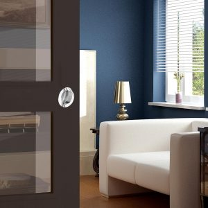 Ambiance image of our round flush pull handle - Extra thin - Chrome-plated metal